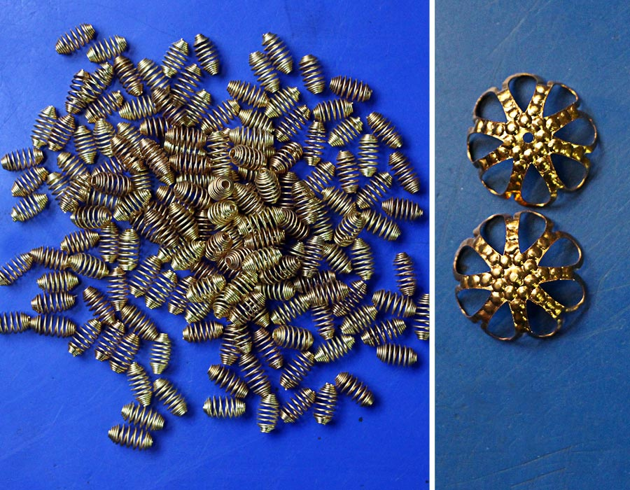 gold-metal-trims-available-at-taj-beads-handicarft-turkman-gate